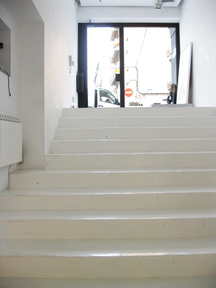 0398-looking up stairs